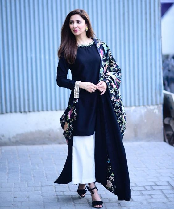 Straight pants_mahira khan